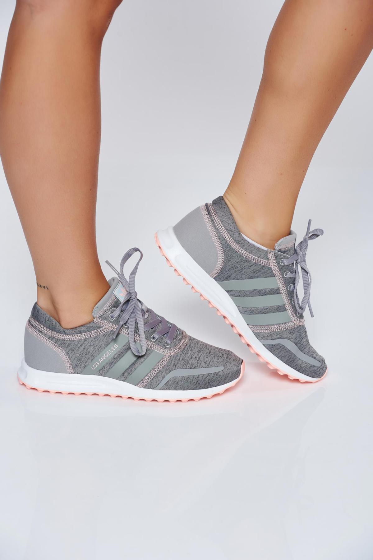 Szürke Adidas originals habtalpú sport cipő hétköznapi fűzővel köthető meg 38742ba0b9
